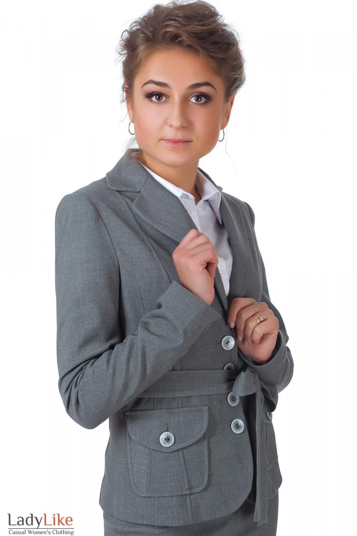 Фото Жакет теплый серый с поясом вид сбоку Деловая женская одежда