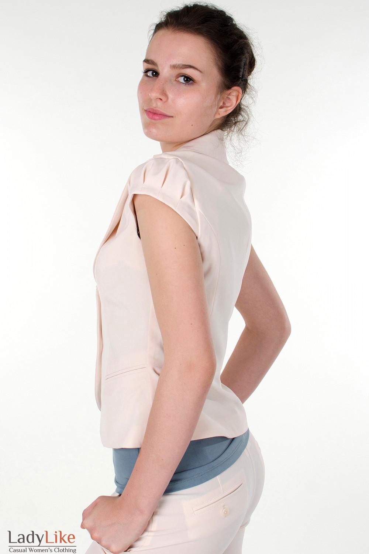 Фото Жилетка бежевая с круглым вырезом вид сбоку Деловая женская одежда