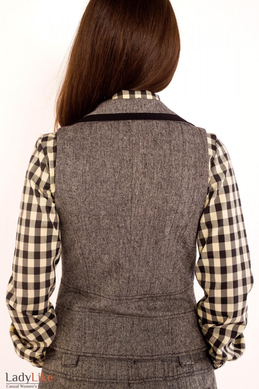 Фото Жилетка из черно-белого твида. Вид сзади Деловая женская одежда