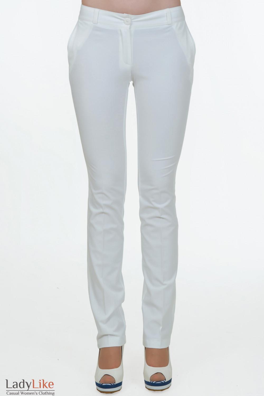 Белые зауженные брюки Деловая женская одежда