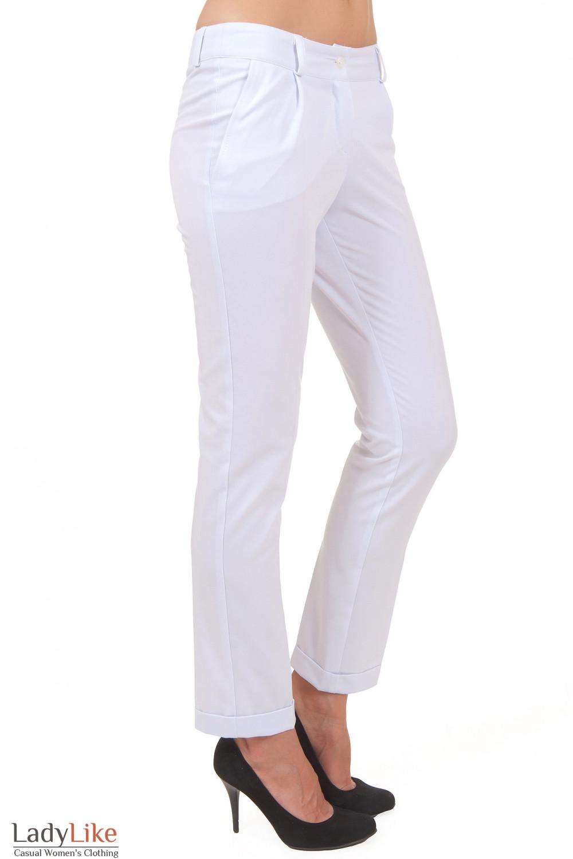 Купить белые укороченные брюки Деловая женская одежда