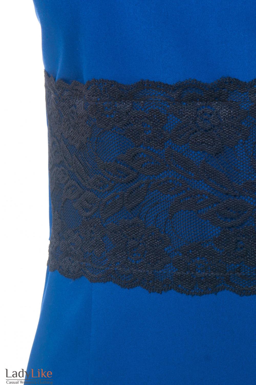 Кружево на синем платье Деловая женская одежда