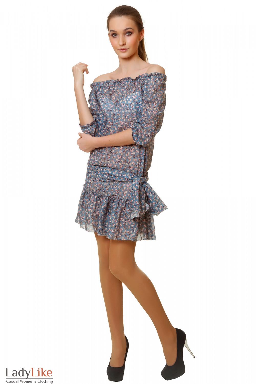 Легкое синее платье с открытыми плечами Деловая женская одежда