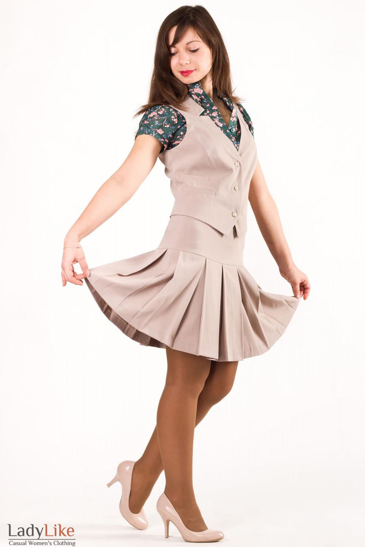 Фото Юбка бежевая со складочками Деловая женская одежда