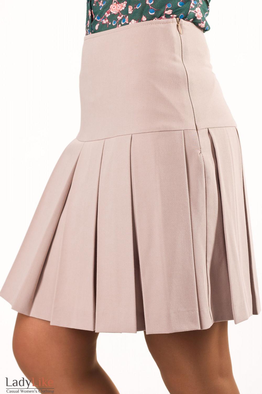 Фото Юбка светлая Деловая женская одежда
