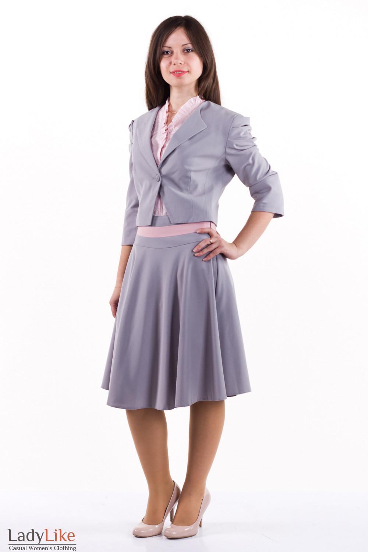 Фото Костюм с юбкой-солнцеклеш Деловая женская одежда