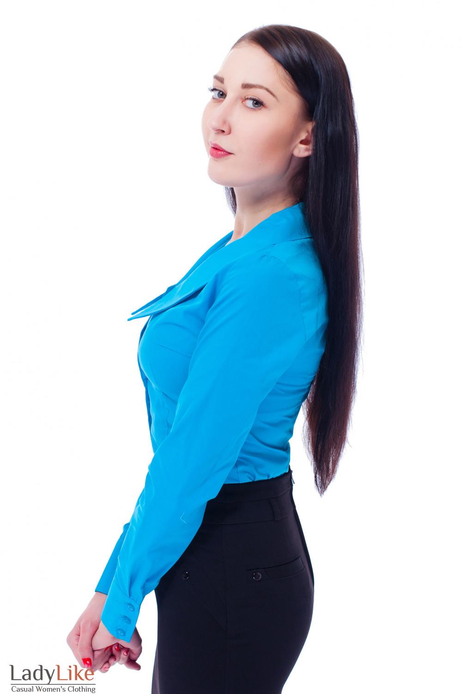 Блузка голубая с острым воротником Деловая женская одежда