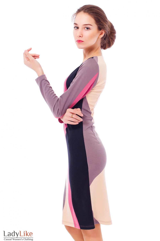 Платье трикотажное с розовым узором Деловая женская одежда
