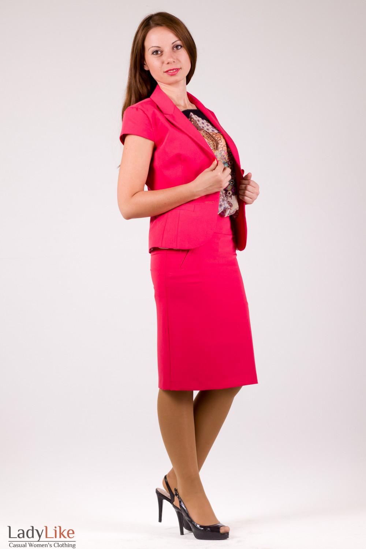 Фото Костюм коралловый Деловая женская одежда