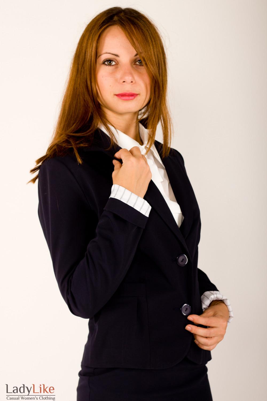 Фото Жакет синий с защипами на кармане Деловая женская одежда