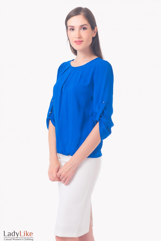 Купить блузку ярко-синюю с защипами Деловая женская одежда
