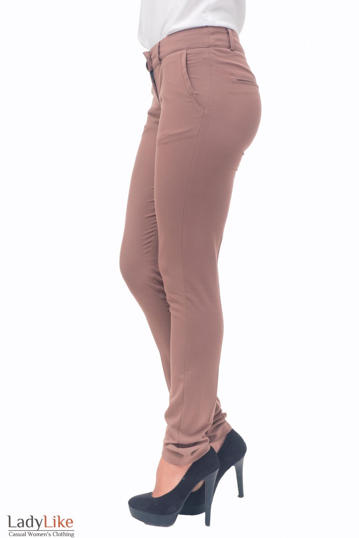 Купить брюки темно-бежевые зауженные с карманом Деловая женская одежда