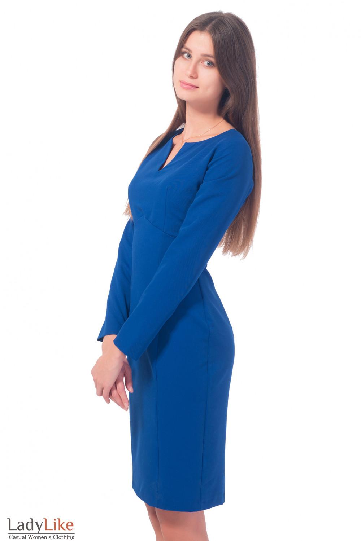 Купить платье синее с разрезом на груди Деловая женская одежда