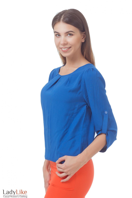 Купить блузку синюю с защипами и патой на рукаве Деловая женская одежда