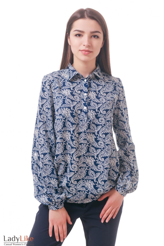 Фото Блузка синяя в белые огурцы с воротником Деловая женская одежда