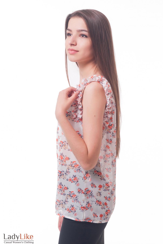 Купить блузку в оранжевые цветы с рюшем Деловая женская одежда