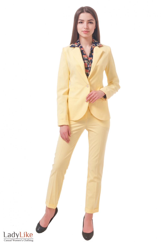 Фото Костюм желтый Деловая женская одежда