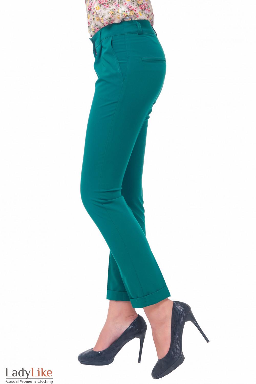 Купить брюки женские зеленые с манжетой Деловая женская одежда