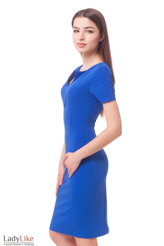 Купить синее платье с разрезом на груди Деловая женская одежда