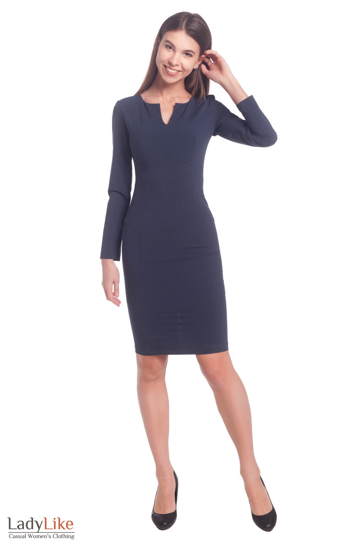 Купить платье в полоску с разрезом на груди. Деловая женская одежда