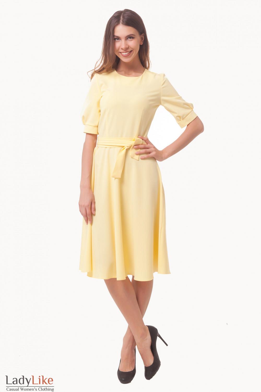 Купить платье желтое с рукавами и поясом Деловая женская одежда