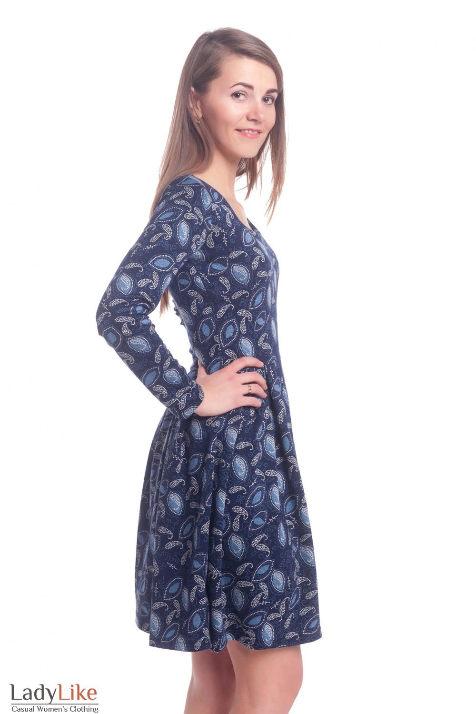Трикотажное платье с пышной юбкой в голубой узор Деловая женская одежда