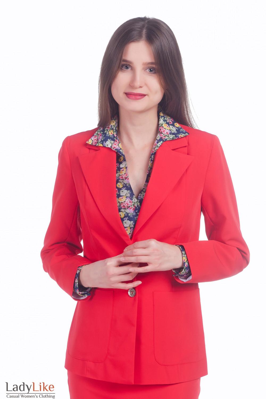 Фото Жакет с накладными карманами красный Деловая женская одежда