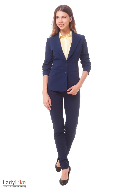 Купить жакет синий удлиненный со сборкой на рукаве Деловая женская одежда