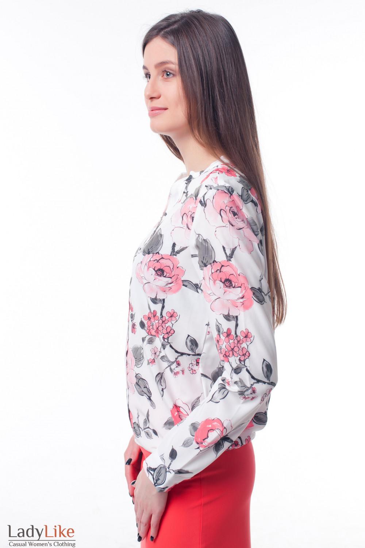 Купить блузку в коралловые цветы с резинкой сбоку Деловая женская одежда фото