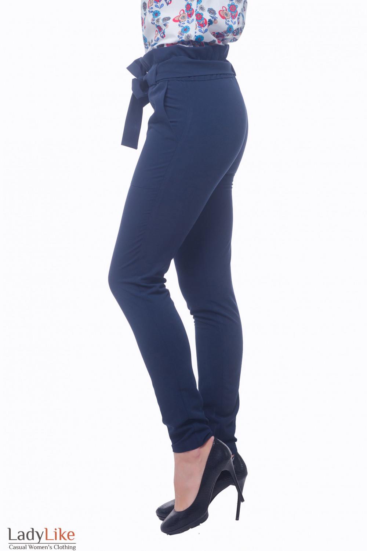 Купить синие брюки с накладными карманами Деловая женская одежда