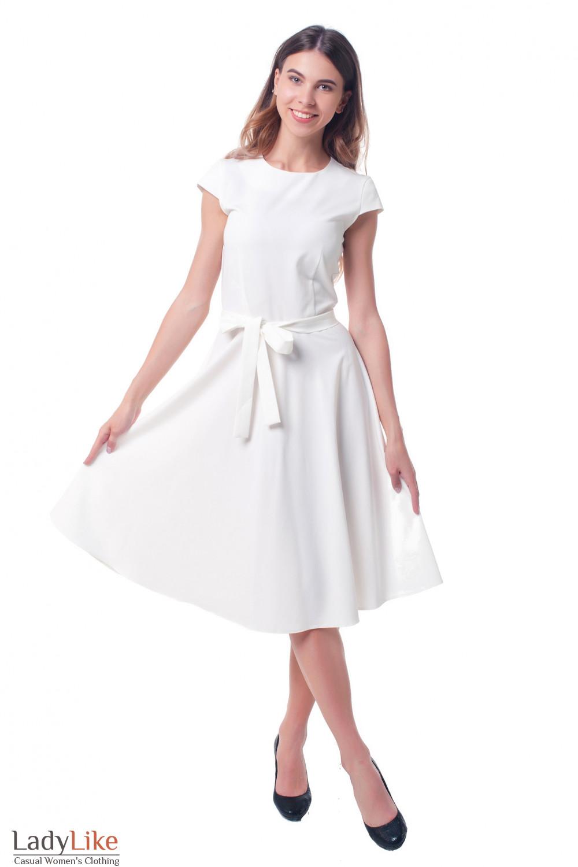 Купить нарядное белое платье с пышной юбкой Деловая женская одежда фото