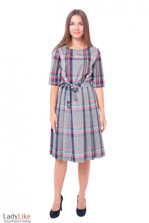 Купить платье серое в клетку с юбкой в складку Деловая женская одежда фото