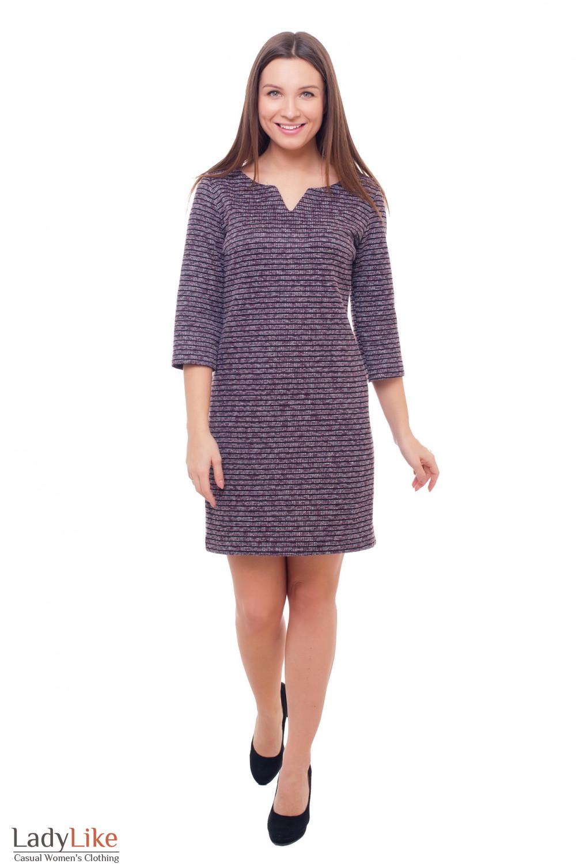 Теплое платье с свободного кроя в сиреневую полоску. Деловая женская одежда фото