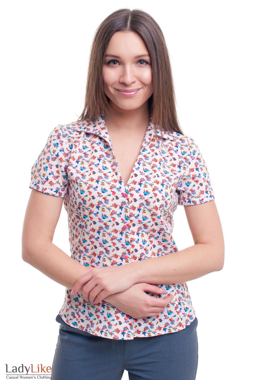 Блузка в красно-голубой цветочек Деловая женская одежда фото