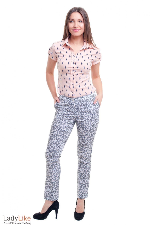 Купить брюки белые в серый листок Деловая женская одежда фото