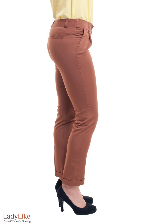 Купить коричневые брюки с манжетой Деловая женская одежда фото
