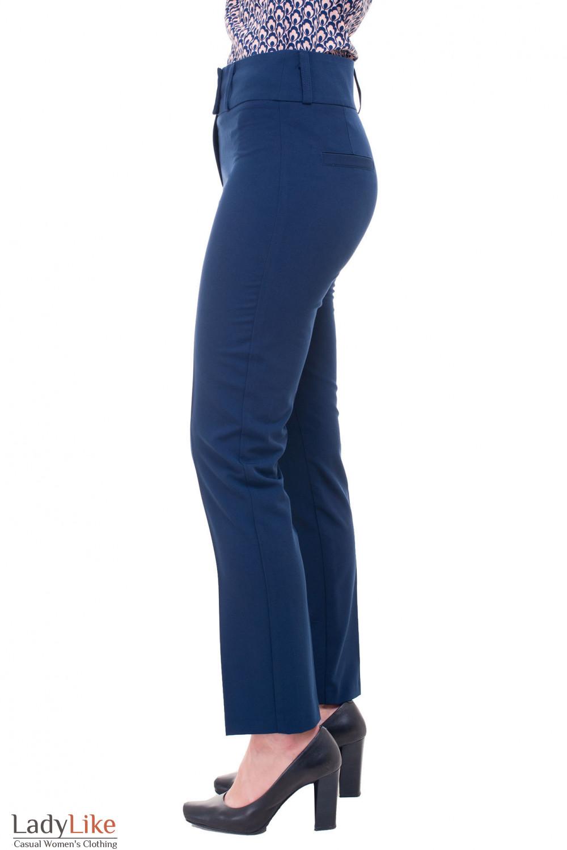 Купить женские брюки синие с стрелкой Деловая женская одежда фото