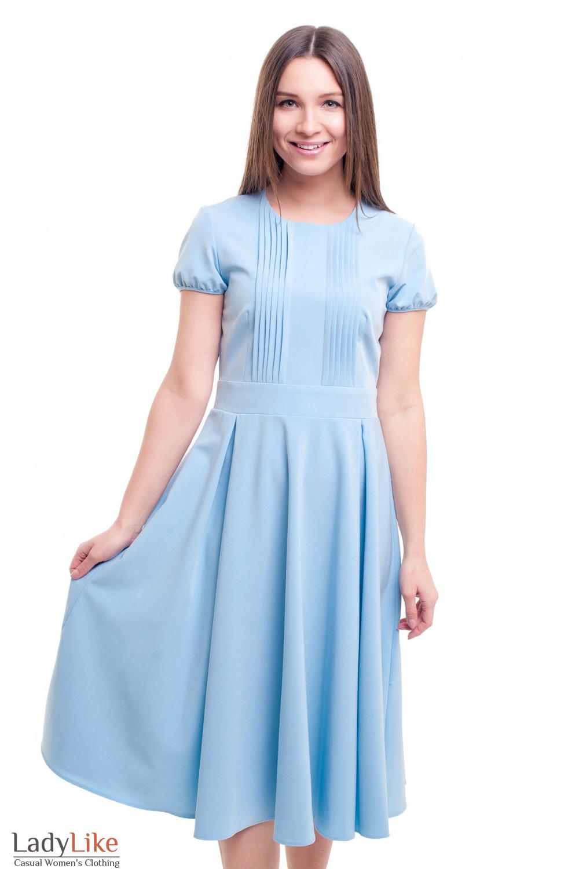 Платье голубое со складочками на груди Деловая женская одежда фото