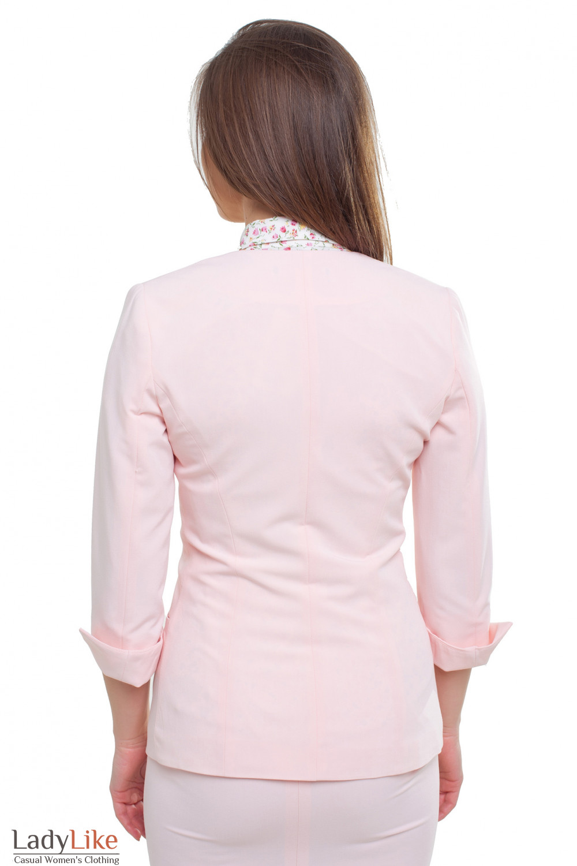 Светлый жакет Деловая женская одежда фото