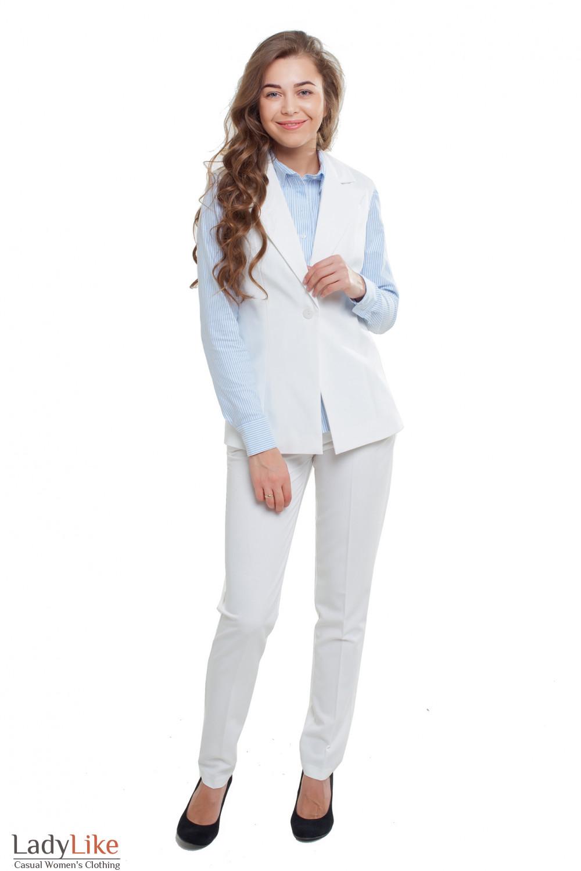 Костюм белый Деловая женская одежда фото