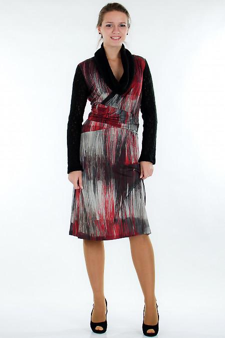 Платье пестрое с вязаными рукавами Деловая женская одежда