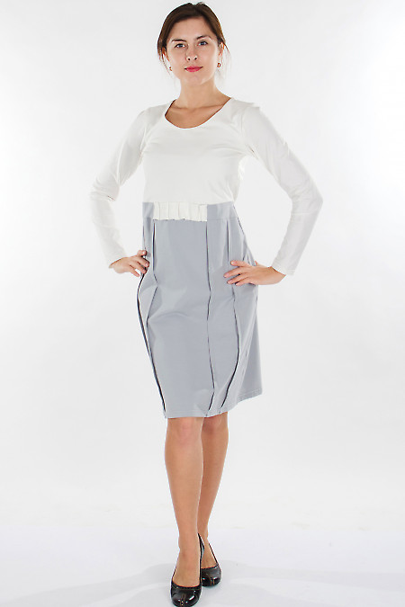Платье трикотажное молочно-серое Деловая женская одежда