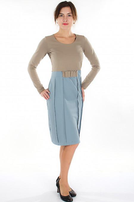 Платье трикотажное серо-коричневое Деловая женская одежда