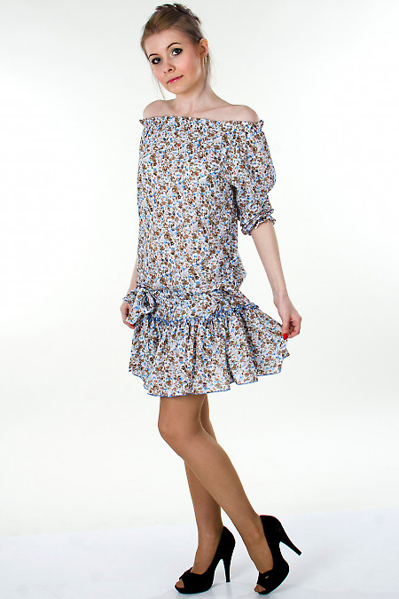 Фото Платье белое с открытыми плечами Деловая женская одежда