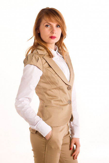 Фото Жилетка горчичная с круглым вырезом Деловая женская одежда