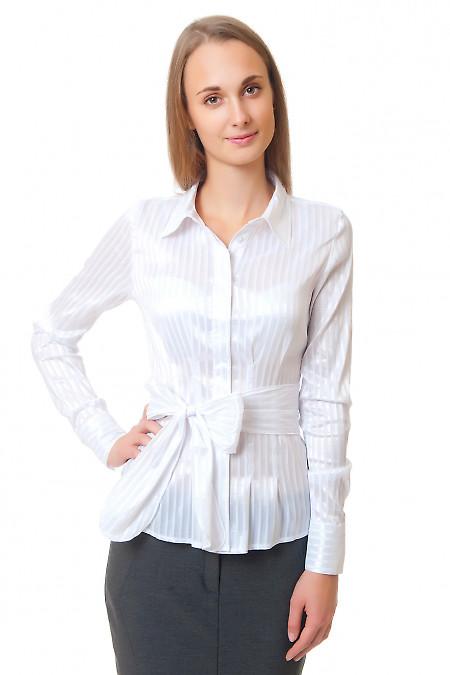 Блузка в белую полоску с защипами  Деловая женская одежда