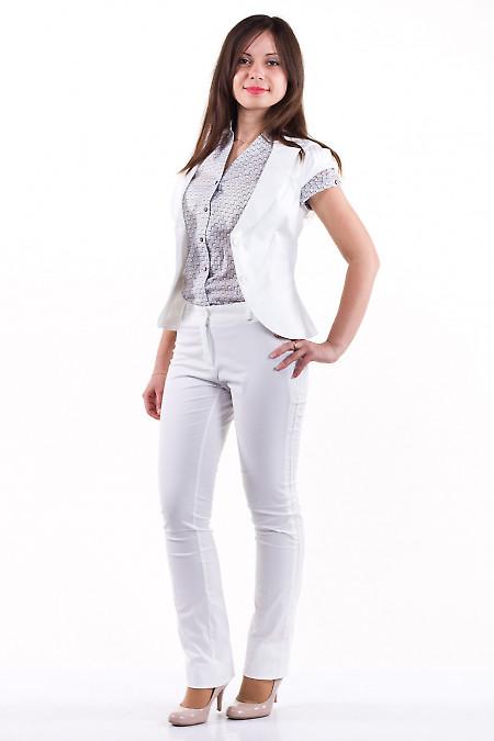 Фото Брюки белые Демо Деловая женская одежда