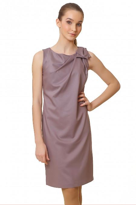 Фото Платье коричневое с бантиком на плече Деловая женская одежда