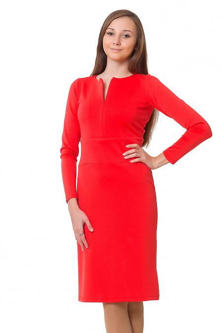 Платье розовое с отрезной талией  Деловая женская одежда