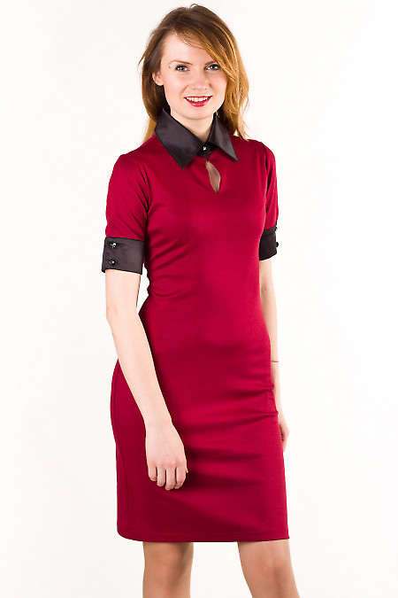 Платье трикотажное с атласным воротником Деловая женская одежда